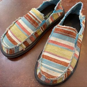 Skechers casual striped slip on moccasin loafers